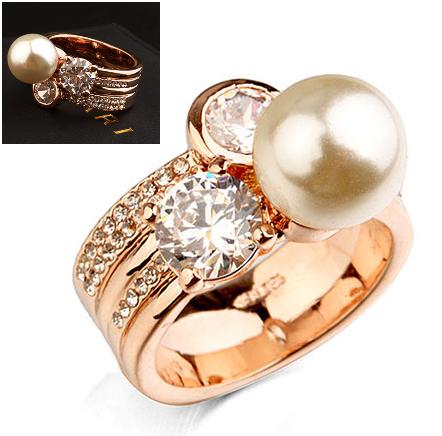 Inel cu cristale IMPULSE Pearl gold placat cu aur 18k - diametru 17cm