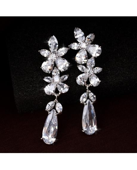 Cercei Angelina cu cristale albe, placat cu aur alb si garantie 6 luni de zile