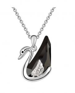 Colier cu cristale Black Swan placat cu aur 18K si garantie 6 luni